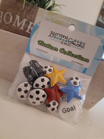 4.95 / Fussball / Buttons Galore
